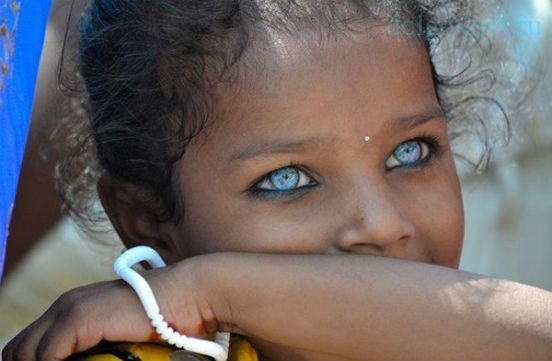 синие глаза