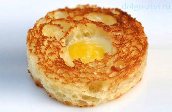 яйцо в бриоши