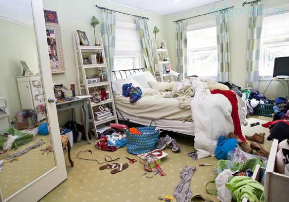 беспорядок в спальне