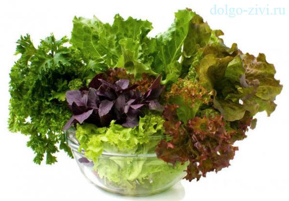 миска с салатами