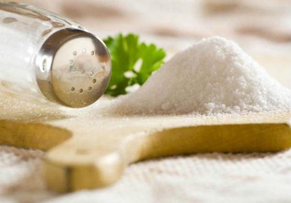 соль и солонка