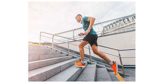 бег вверх по лестнице