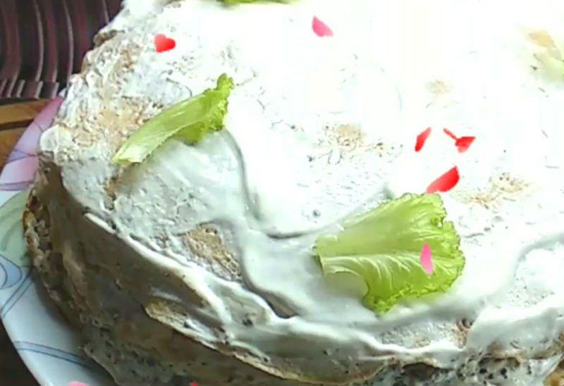 блинный пирог с печенью и сыром