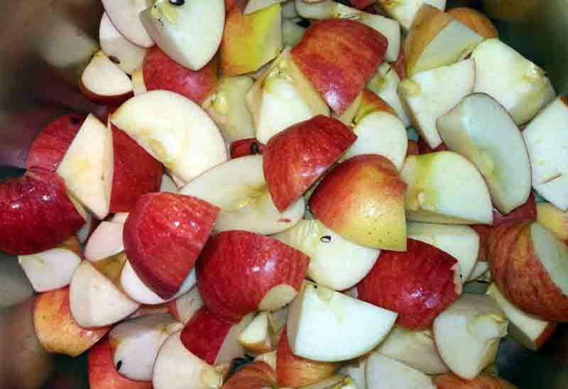 яблочные кусочки